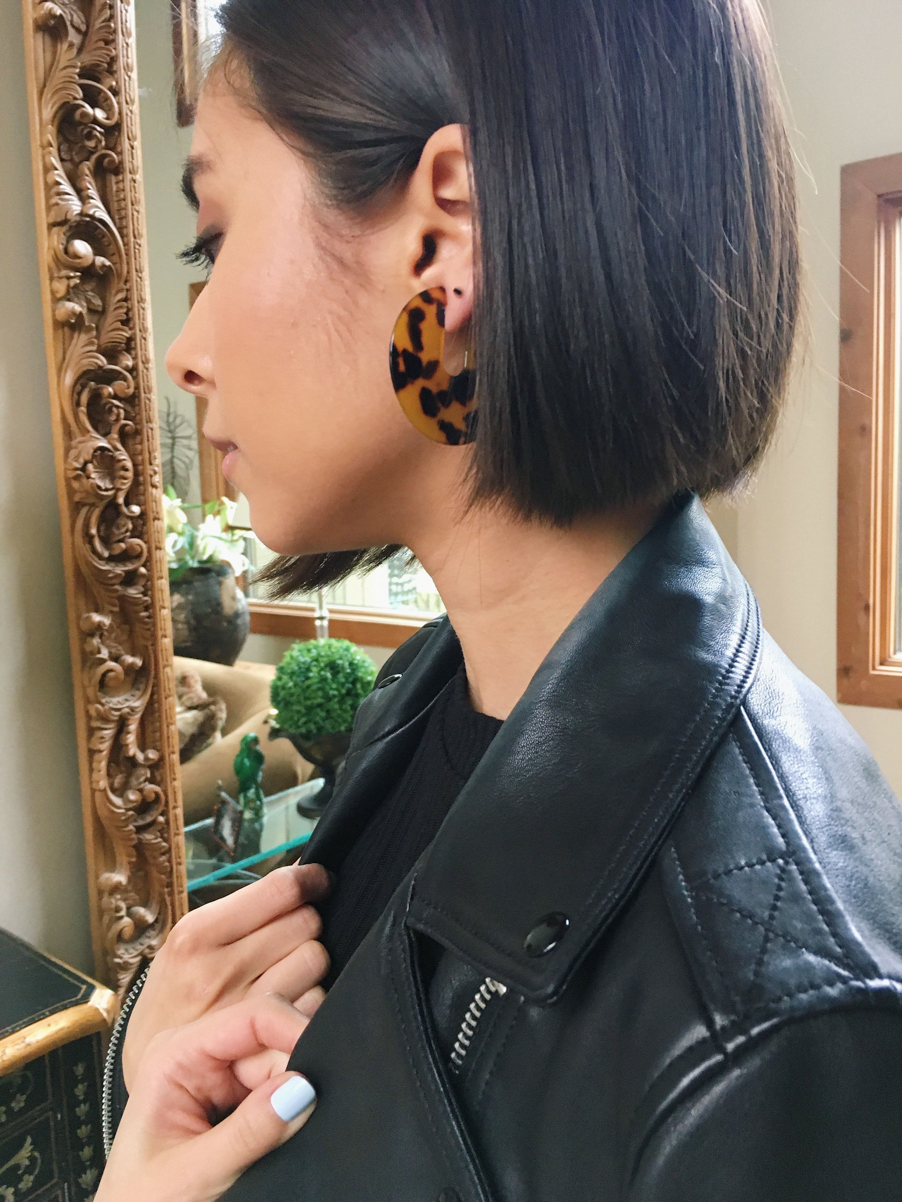 boston fashion blogger in leather jacket, tortoise shell earrings, spring trends, bob haircut